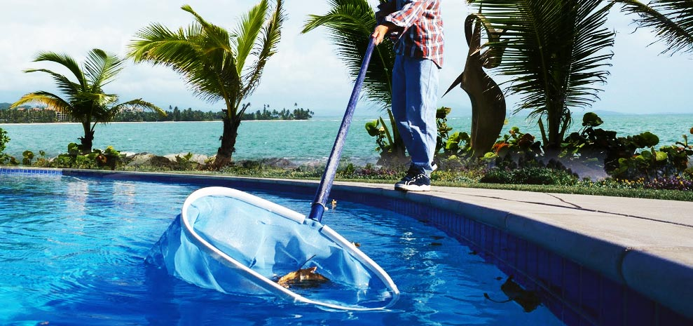 Closing your pool for the winter for Pool service